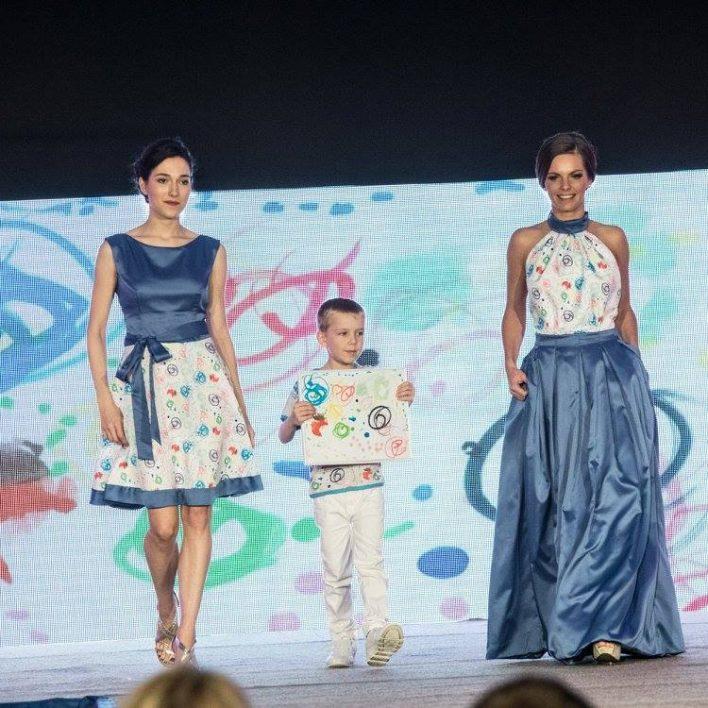 """Šaty z projektu: :""""Šaty malované příběhem dětských duší"""""""