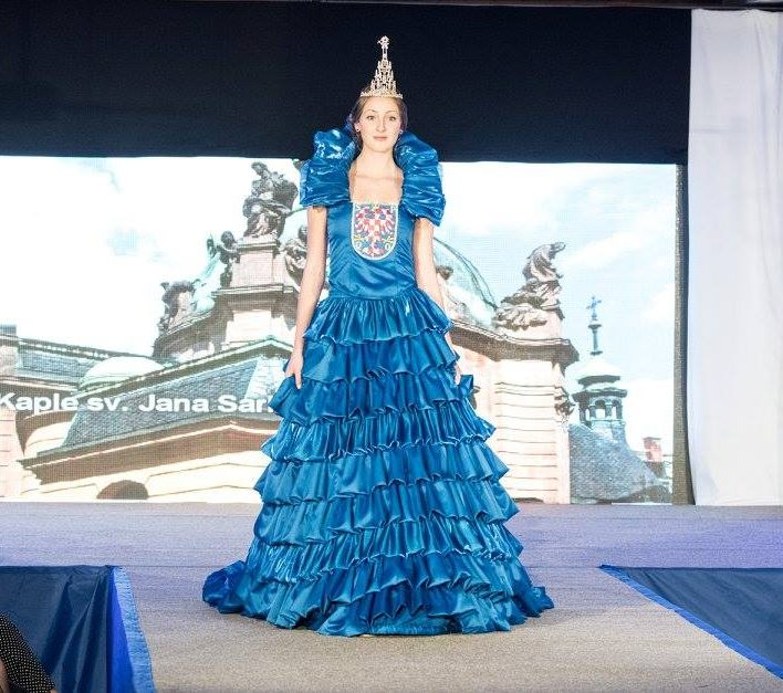 Reprezentační šaty pro město Olomouc