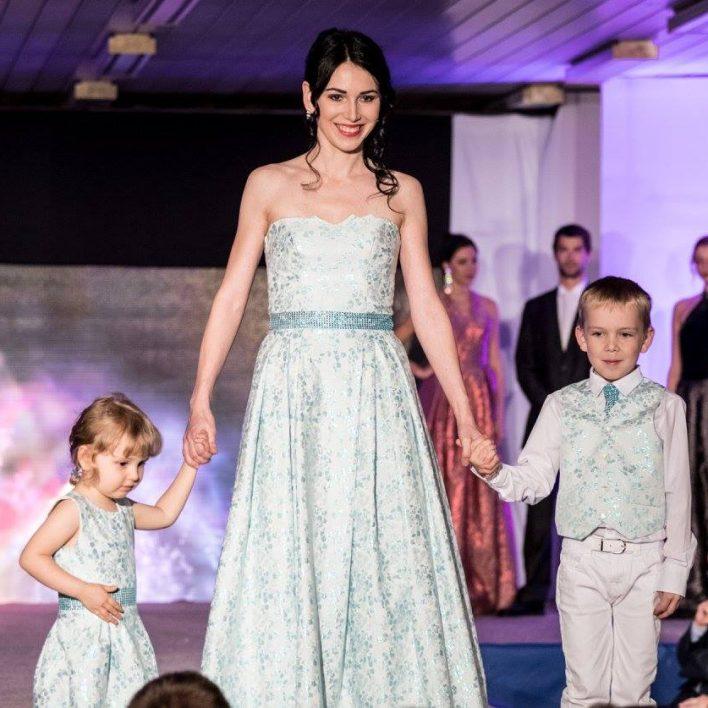 Večerní šaty a modely pro děti