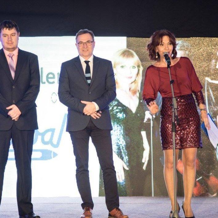 Finanční ředitel firmy Hedva, a.s. Ing.Tomáš Mazal, generální ředitel firmy Hedva, a.s. Ing. Jiří Ošlejšek a herečka Michaela Dolinová