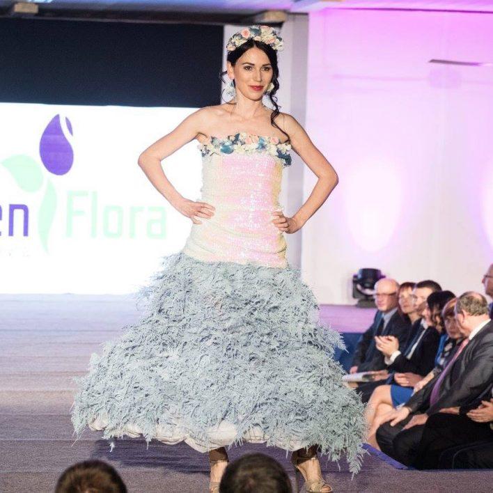 Květinové šaty a doplňky od Carmen Flora