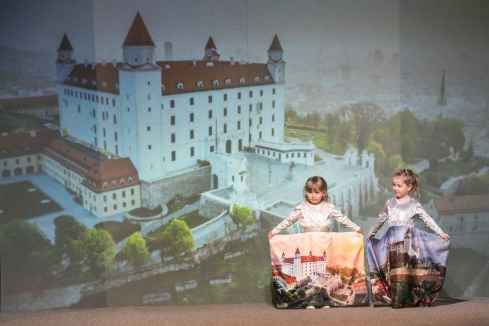 Šaty pro Bratislavu